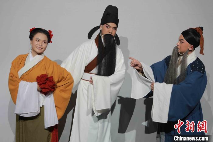 豫剧《石壕吏》剧照。中国戏曲学院供图